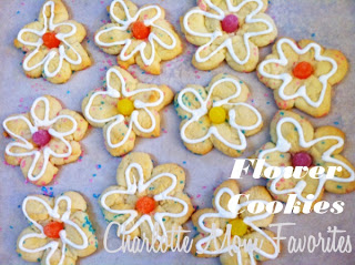 Flower Cookies, A Charlotte Mom Favorites Baking Craft.