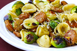 pesto-pasta-with-chicken-sausage