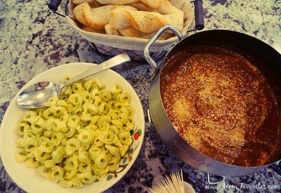 Marinara & Spinach Pesto Italian Fondue – Family Dinner Time with Barilla