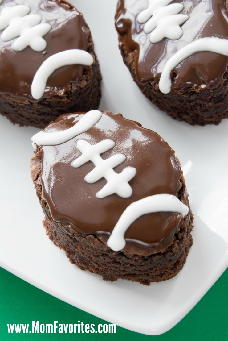 Game Time Party Foods for a Crowd!  Football just got tasty with these fun recipes and tutorials for your next football party!