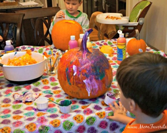 Halloween Fun: A Traditional Halloween Party Plan