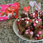 No-Bake Candy Cookie Fudge for Valentine's Day + Video Recipe