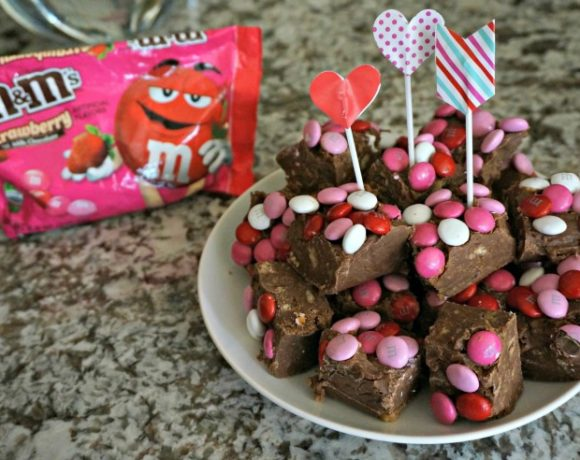 The perfect Valentine's Day Treat comes together in just minutes! This No-Bake Candy Cookie Fudge makes a great DIY gift idea or a sweet treat to enjoy with those you love!