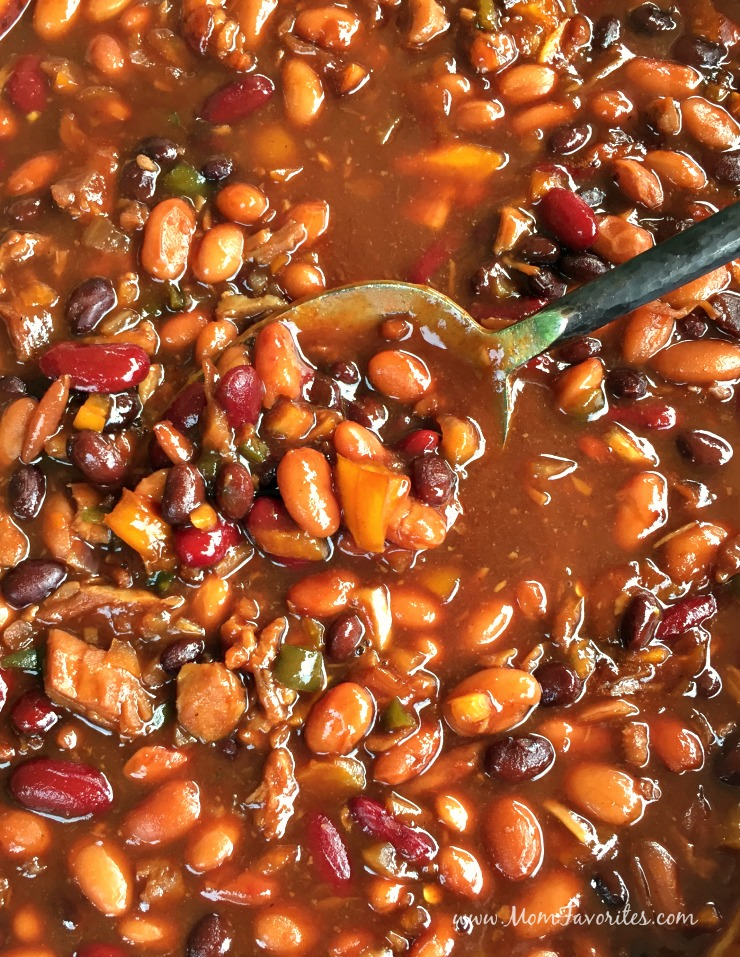 Sweet and Sticky Homemade Baked Beans plus a few cleaning tips you won't want to miss!