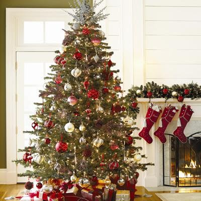 Christmas Tree Decorations Gold And Red (01). I thought this tree might  help me save a few more ornaments, by adding a
